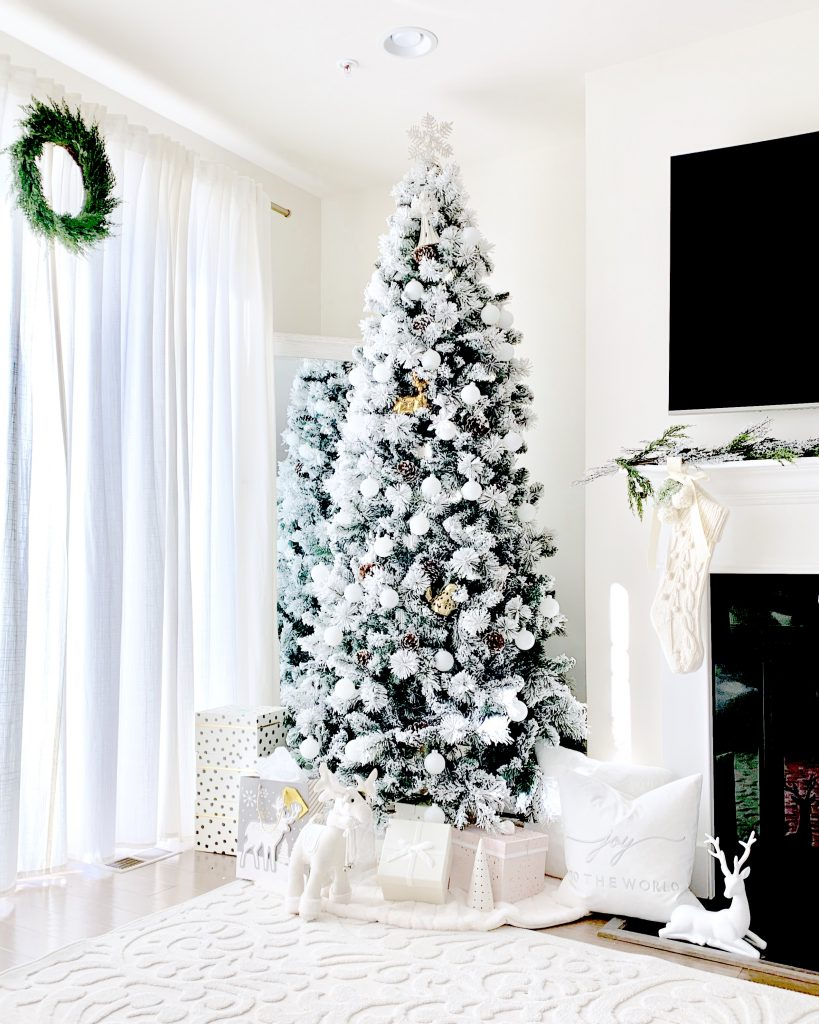 Christmas Decor - Neutral , chic and cozy Christmas Decor